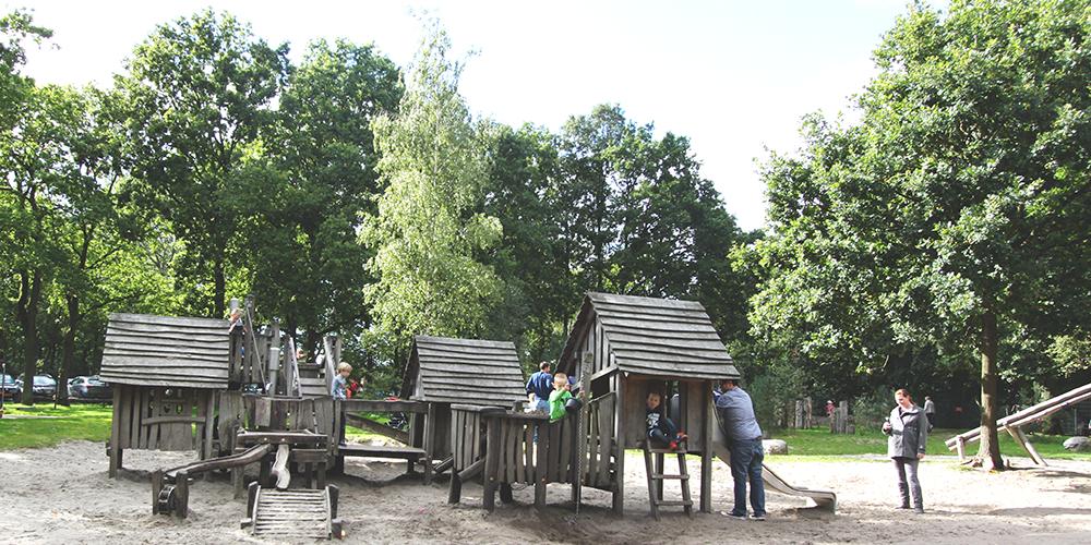 Paviljoen Heidezicht in Bussum is een van de natuurrijke speeltuinen